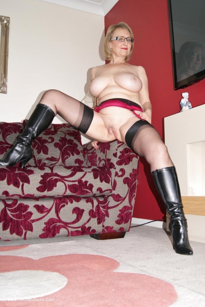 submissive wife  Literoticacom