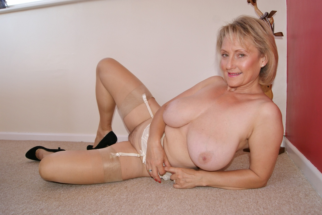 Granny saggy tits mature