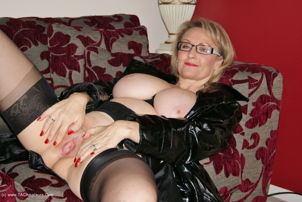 Busty mature sluts dogging